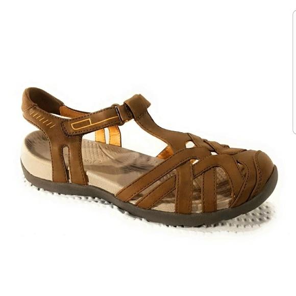 480eda279fd5 Baretraps Shoes - BareTraps Feena Flat Brush Sandal